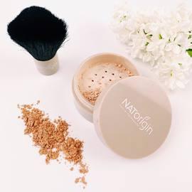 A la recherche d'un teint unifié, lumineux et de produits clean et naturels?⠀ Ne cherchez plus et venez tester la gamme teint Natorigin. Elle est composée à 100% d'ingrédients d'origine naturelle, sélectionnés par nos équipes avec le plus grand soin pour le bien-être de votre peau sensible.⠀ Fond de teint poudre, poudre compacte, blush, highlighter : ils sont fait pour vous.⠀ ⠀ #natorigin #peausensible #hautetolerance #maquillageteint #cleanbeauty