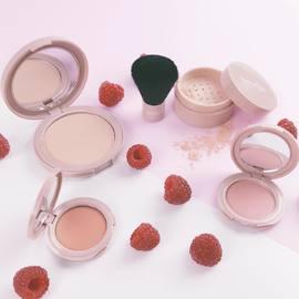 🌟 CONCOURS 🌟 ⠀ Pour vous faire découvrir notre gamme de maquillage du teint naturelle nous souhaitons offrir à 4 d'entre vous un set teint  composé de 4 produits. ⠀ ⠀ Pour tenter votre chance, il suffit : ⠀ 1. de suivre la page @natorigin ⠀ 2. de liker ce post ⠀ 3. d'inviter 2 amies à participer ⠀ ⠀ Vous avez jusqu'à ce dimanche soir 23h59 (17/05) pour participer. ⠀ Tirage au sort semaine prochaine. ⠀ ⠀ Bonne chance à toutes. 🍀 ⠀ ⠀ #natorigin #peausensible #hautetolérance #poudrecompacte #highlighter #fonddeteint #blush #cleanbeauty #naturalmakeup